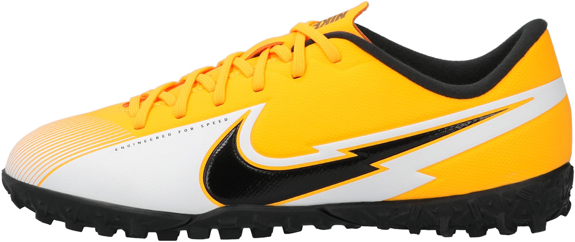 Фото - Nike Бутсы для мальчиков Nike Jr Vapor 13 Academy TF, размер 35 шиповки детские nike vapor 13 academy neymar tf at8144 104