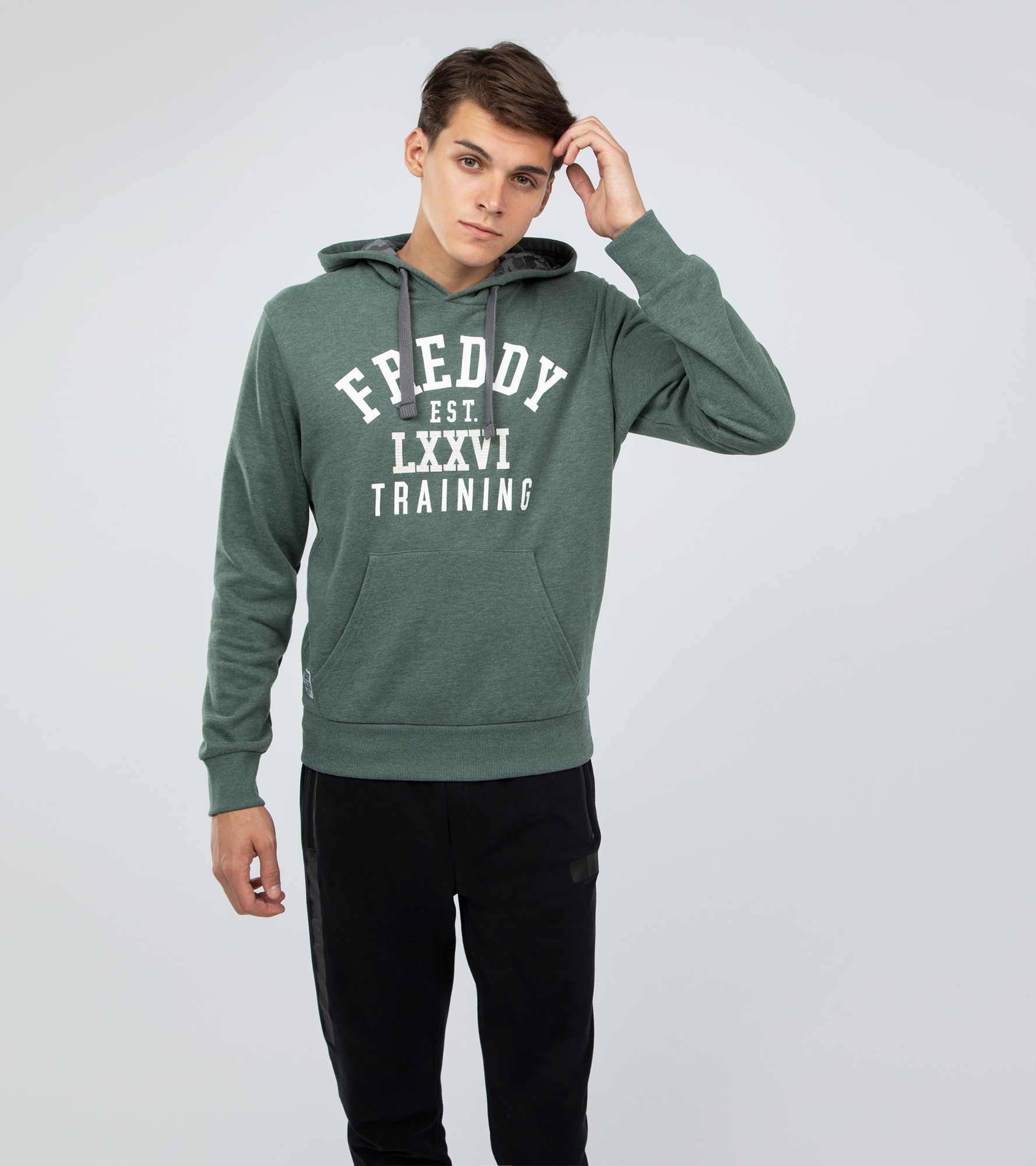 Freddy Худи мужская Freddy, размер 52-54 недорго, оригинальная цена