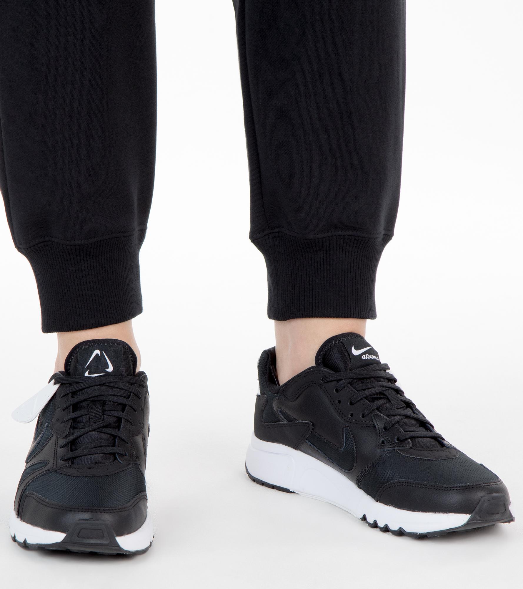 Nike Кроссовки женские Nike Atsuma, размер 37