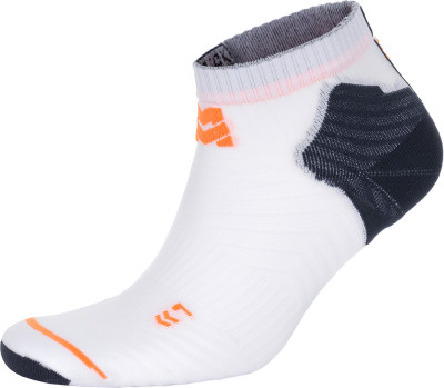 Носки MORETAN Ultralight, 1 параИнновационные носки ultralight от moretan - превосходный выбор для длительных забегов и ультрамарафонов в жаркую погоду.<br>Пол: Мужской; Возраст: Взрослые; Вид спорта: Бег; Плоские швы: Да; Светоотражающие элементы: Нет; Дополнительная вентиляция: Да; Компрессионный эффект: Нет; Производитель: MORETAN; Артикул производителя: RL-171211; Страна производства: Россия; Материалы: 86 % полиамид, 8 % спандекс, 6 % лайкра; Размер RU: 39-41;
