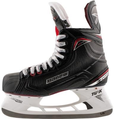 Коньки хоккейные Bauer S17 Vapor X700Хоккейные коньки от bauer линии vapor. Модель рассчитана на широкий круг любителей хоккея.<br>Вес, кг: 0,873; Раздвижной ботинок: Нет; Термоформируемый ботинок: Да; Материал ботинка: Fiber composite +; Материал подкладки: Hydra MAX; Материал лезвия: Нержавеющая сталь; Анатомический ботинок: Да; Широкая колодка: Нет; Тип фиксации: Шнурки; Усиленный ботинок: Нет; Поддержка голеностопа: Есть; Ударопрочный мыс: Да; Морозоустойчивый стакан: Да; Анатомическая стелька: Есть; Усиленный язык: Есть; Анатомические вкладыши: Есть; Съемный внутренний ботинок: Нет; Материал подошвы: Облегченный жесткий пластик TPU с сублимацией; Заводская заточка: Нет; Утепленный ботинок: Нет; Пол: Мужской; Возраст: Взрослые; Вид спорта: Хоккей; Уровень подготовки: Эксперт; Технологии: FORM-FIT+, HYDRA MAX, TUUK LIGHTSPEED EDGE; Производитель: Bauer; Артикул производителя: 1050447; Срок гарантии: 4 года; Страна производства: Китай; Размер RU: 46;