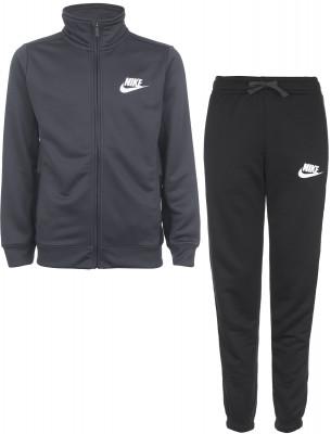 Костюм спортивный для мальчиков Nike SportswearСпортивный костюм для мальчиков nike sportswear. Свобода движений крой не стесняет движения практичность как в брюках, так и в куртке предусмотрены карманы на молнии.<br>Пол: Мужской; Возраст: Дети; Вид спорта: Спортивный стиль; Материал верха: 100 % полиэстер; Покрой: Прямой; Капюшон: Отсутствует; Количество карманов: 4; Производитель: Nike; Артикул производителя: 856206-060; Страна производства: Индонезия; Размер RU: 158-170;