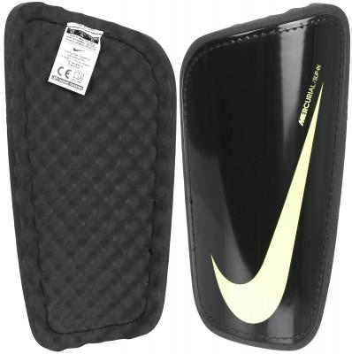 Щитки футбольные Nike NK HRD SHELL SLP GRDФутбольные щитки от nike. Анатомическая конструкция анатомическая форма щитков для левой и правой ноги обеспечивает максимальное удобство во время игр и тренировок.<br>Вид спорта: Футбол; Артикул производителя: SP2101-011; Производитель: Nike; Страна производства: Китай; Размер RU: XL;