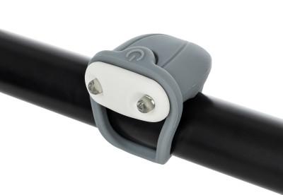 Фонарь велосипедный передний габаритный CyclotechПередний габаритный фонарь позволит стать заметнее на дороге и сделает поездку на велосипеде безопаснее.<br>Материалы: Силикон, пластик; Тип батареек: 2x CR2032; Размеры (дл х шир х выс), см: 10,5 х 3,8 х 1,5; Регулировка светового потока: Нет; Количество режимов работы: 2; Вид спорта: Велоспорт; Производитель: Cyclotech; Артикул производителя: CFL-4S.; Страна производства: Китай; Размер RU: Без размера;