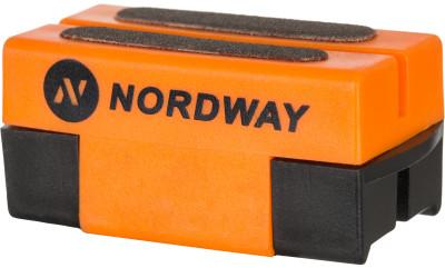 Приспособление для заточки коньков NordwayХоккейный аксессуар от nordway предназначен для заточки и правки лезвий коньков. Заточка подходит для любых коньков и эффективно снимает ржавчину с лезвий.<br>Вес, кг: 0,045 кг; Материалы: 60 % пластик, 40 % точильный камень; Производитель: Nordway; Вид спорта: Хоккей; Артикул производителя: SHARP-D2; Страна производства: Китай; Размер RU: Без размера;