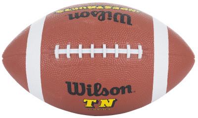 Мяч для американского футбола WilsonМяч для тренировок и любительских соревнований. Изготовлен из износостойкой резины. Обладает великолепным сцеплением, бутиловая камера.<br>Сезон: 2017; Возраст: Взрослые; Вид спорта: Регби; Тип поверхности: Универсальные; Назначение: Любительские; Материал покрышки: Резина; Материал камеры: Бутил; Способ соединения панелей: Ручная сшивка; Количество панелей: 4; Вес, кг: 0,4 - 0,45; Производитель: Wilson; Артикул производителя: WTF1509; Страна производства: Таиланд; Размер RU: Без размера;