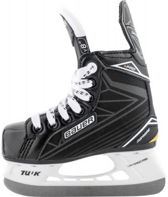 Коньки хоккейные детские Bauer Supreme ProЛюбительская модель коньков supreme pro. Универсальная модель коньков, в которых можно играть в хоккей и кататься на открытом воздухе.<br>Материал ботинка: Премиум нейлон; Материал подкладки: Микрофибра; Материал лезвия: Нержавеющая сталь; Тип фиксации: Шнурки; Поддержка голеностопа: Есть; Ударопрочный мыс: Да; Морозоустойчивый стакан: Да; Анатомические вкладыши: Есть; Материал подошвы: Пластик ТПР; Сезон: 2017; Пол: Мужской; Возраст: Дети; Вид спорта: Хоккей; Уровень подготовки: Средний; Технологии: Hydrophobic microfiber, LIGHT SPEED Pro, anatomical heel support; Производитель: Bauer; Артикул производителя: 1048669-R; Срок гарантии: 3 года; Страна производства: Китай; Размер RU: 31,5;