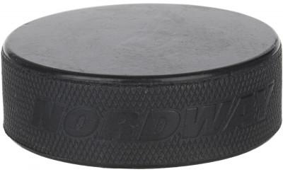 Шайба хоккейная детская NordwayШайба для начинающих хоккеистов, предназначена для занятий хоккеем на любых катках. Устойчива к различным видам воздействий, обладает хорошим скольжением.<br>Материалы: Резина; Вес, кг: 0,075-0,087; Вид спорта: Хоккей; Производитель: Nordway; Артикул производителя: NPUCKKID; Срок гарантии: 1 год; Страна производства: Китай; Размер RU: Без размера;