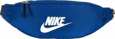 Сумка Nike HeritageСумки<br>Удобная поясная сумка nike sportswear heritage, выполненная из прочного полиэстера. Помимо основного отделения в модели предусмотрены карманы.