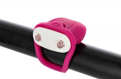 Фонарь велосипедный передний габаритный CyclotechПередний габаритный фонарь позволит стать заметнее на дороге и сделает поездку на велосипеде безопаснее.<br>Материалы: Силикон, пластик; Тип батареек: 2x CR2032; Размеры (дл х шир х выс), см: 10,5 х 3,8 х 1,5; Регулировка светового потока: Нет; Количество режимов работы: 2; Вид спорта: Велоспорт; Производитель: Cyclotech; Артикул производителя: CFL-4P.; Страна производства: Китай; Размер RU: Без размера;
