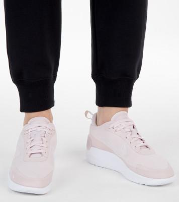 Кроссовки женские Nike Amixa, размер 40