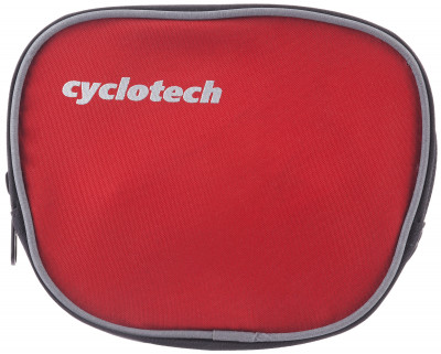Велосипедная сумка CyclotechВелосипедная сумка. Особенности модели: крепление на руль; подходит для необходимых мелочей; размеры: 15 см х 13 см х 6 см; быстрая и легкая установка.<br>Объем: 0,1 л; Размеры (дл х шир х выс), см: 15 x 13 x 6; Вид спорта: Велоспорт; Материалы: 100 % полиэстер; Производитель: Cyclotech; Артикул производителя: CYC-7R.; Страна производства: Китай; Размер RU: Без размера;