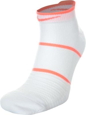 Носки Nike Court Essentials No-Show, 1 параТеннисные носки nikecourt essentials no-show гарантируют комфорт и вентиляцию во время игр и тренировок.<br>Пол: Мужской; Возраст: Взрослые; Вид спорта: Бег, Большой теннис; Дополнительная вентиляция: Да; Материалы: 50 % полиэстер, 31 % нейлон, 14 % хлопок, 5 % эластан; Технологии: Nike Dri-FIT; Производитель: Nike; Артикул производителя: SX6914-104; Страна производства: Китай; Размер RU: 37-41;