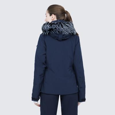 Фото 4 - Куртку женская Luhta Jalonoja, размер 42 белого цвета