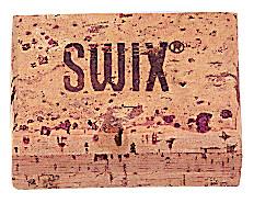 Натуральная пробка SwixНатуральная пробка для обработки скользящей поверхности беговых лыж.<br>Размеры (дл х шир х выс), см: 3,7 x 7 x 5; Вес, кг: 0,02; Материалы: Натуральная пробка; Производитель: Swix; Вид спорта: Беговые лыжи; Артикул производителя: T0020DP-.; Страна производства: Португалия; Размер RU: Без размера;