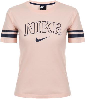 Футболка женская Nike Sportswear, размер 42-44Футболки<br>Заверши свой образ футболкой в классическом университетском стиле от nike. Натуральные материалы натуральный хлопок делает ткань мягкой и воздухопроницаемой.