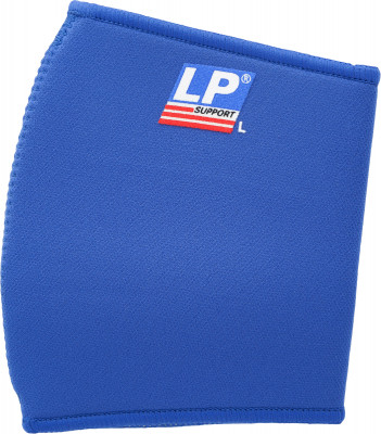 Суппорт локтя LP 702Неопреновый суппорт локтевого сустава. Защищает от царапин и ушибов, помогает снять боль при синдроме теннисного локтя.<br>Материалы: 75 % неопрен класса А, 25 % эластичный нейлон; Производитель: LP Support; Артикул производителя: LPP702; Срок гарантии: 2 года; Страна производства: Тайвань; Размер RU: M;