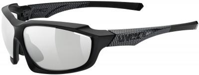 Солнцезащитные очки UvexСолнечные очки uvex - отличный выбор для любителей бега и велоспорта.<br>Цвет линз: Адаптивный серебристый; Назначение: Бег,велоспорт; Пол: Мужской; Возраст: Взрослые; Вид спорта: Бег, Велоспорт; Ультрафиолетовый фильтр: Да; Зеркальное напыление: Да; Материал линз: Поликарбонат; Оправа: Пластик; Технологии: 100% UVA- UVB- UVC-PROTECTION, LITEMIRROR, Supravision, VARIOMATIC; Производитель: Uvex; Артикул производителя: S5309352505; Срок гарантии: 1 месяц; Страна производства: Тайвань; Размер RU: Без размера;