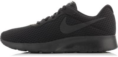 Кроссовки женские Nike Tanjun, размер 37Кроссовки <br>По-японски tanjun значит простота. Женские кроссовки в спортивном стиле nike tanjun это простота в лучшем исполнении.
