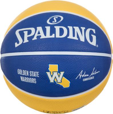 Мяч баскетбольный Spalding Golden State WarriorsМячи<br>Баскетбольный мяч spalding, украшенный символикой команды nba golden state warriors, станет отличным выбором для любительских игр на уличных площадках.
