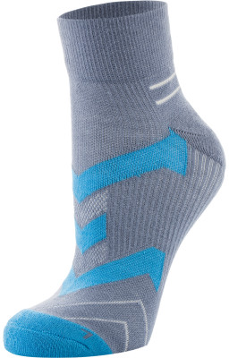 Носки мужские Demix, 1 параМужские носки для бега. Обладают высокими износостойкими характеристиками. В комплекте 1 пара.<br>Пол: Мужской; Возраст: Взрослые; Вид спорта: Спортивный стиль; Производитель: Demix; Артикул производителя: CZ01_1AMS; Страна производства: Пакистан; Материалы: 34 % вискоза, 33 % хлопок, 30 % нейлон, 3 % эластан; Размер RU: 35-38;