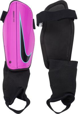 Щитки футбольные детские Nike Charge 2.0Детские футбольные щитки nike charge 2.<br>Пол: Мужской; Возраст: Дети; Материал верха: Полипропилен; Вид спорта: Футбол; Производитель: Nike; Артикул производителя: SP2079-606; Страна производства: Китай; Размер RU: M;