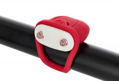 Фонарь велосипедный передний габаритный CyclotechПередний габаритный фонарь позволит стать заметнее на дороге и сделает поездку на велосипеде безопаснее.<br>Материалы: Силикон, пластик; Тип батареек: 2x CR2032; Размеры (дл х шир х выс), см: 10,5 х 3,8 х 1,5; Регулировка светового потока: Нет; Количество режимов работы: 2; Вид спорта: Велоспорт; Производитель: Cyclotech; Артикул производителя: CFL-4R.; Страна производства: Китай; Размер RU: Без размера;