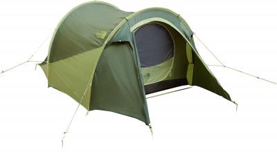 The North Face HEYERDAHL 3Легендарная трехместная палатка тоннельного типа, названная в честь знаменитого норвежского исследователя тура хейердала, надежно защищает от непогоды.<br>Назначение: Туристические; Количество мест: 3; Наличие внутренней палатки: Да; Тип каркаса: Внутренний; Геометрия: Полусфера; Водонепроницаемость: Высокая; Ветроустойчивость: Высокая; Вес, кг: 2,7; Размер в собранном виде (д х ш х в): 325 х 183 х 107 см; Размер в сложенном виде (дл. х шир. х выс), см: 58 х 20; Размер тамбура (д х ш х в): 96 х 183 х107 см; Количество комнат: 1; Количество входов: 1; Вентиляционные окна: Да; Количество вентиляционных окон: 1; Окна: Нет; Внешний тент: Да; Усиленные углы: Да; Количество оттяжек: 12; Навес: Нет; Крепление для фонаря: Нет; Водонепроницаемость тента: 1200 мм в.ст.; Водонепроницаемость дна: 3000 мм в.ст.; Проклеенные швы: Да; Противомоскитная сетка: Да; Защита от УФ: Нет; Ветрозащитная юбка: Нет; Материал тента: Полиэстер; Материал внутренней палатки: Полиэстер, нейлон, хлопок; Материал дна: Полиэстер; Материал каркаса: Алюминий; Материал колышков: Алюминий; Вид спорта: Походы; Производитель: The North Face; Артикул производителя: T0CF09M9Q; Срок гарантии: 1 год; Страна производства: Китай; Размер RU: Без размера;
