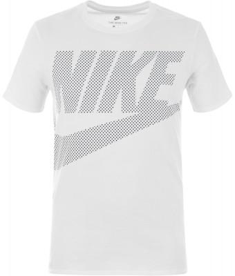 Футболка мужская Nike SportswearУдобная классическая футболка от nike - оптимальное завершение твоего спортивного образа.<br>Пол: Мужской; Возраст: Взрослые; Вид спорта: Спортивный стиль; Покрой: Прямой; Материалы: 100 % хлопок; Производитель: Nike; Артикул производителя: 891865-100; Страна производства: Турция; Размер RU: 52-54;