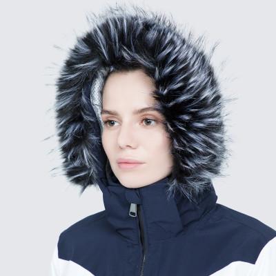 Фото 9 - Куртку женская Luhta Jalonoja, размер 42 белого цвета