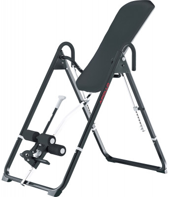 Скамья Kettler ApolloСкамья многофункциональная. Положительно влияет на межпозвоночные диски, благодаря позиции вниз-головой. Расслабляет мышцы. Регулировки угла наклона и фиксатора для ног.<br>Тренируемые группы мышц: Спина, брюшной пресс; Максимальный вес пользователя: 110 кг; Регулировки: 6 уровней наклона скамьи, фиксатор для ног; Складная конструкция: Есть; Размер в рабочем состоянии (дл. х шир. х выс), см: 150 х 85 х 226 см; Размер в сложенном виде (дл. х шир. х выс), см: 40 х 85 х 200 см; Вес, кг: 25; Вид спорта: Силовые тренировки; Производитель: Kettler; Артикул производителя: 7426-700; Срок гарантии: 2 года; Страна производства: Германия; Размер RU: Без размера;